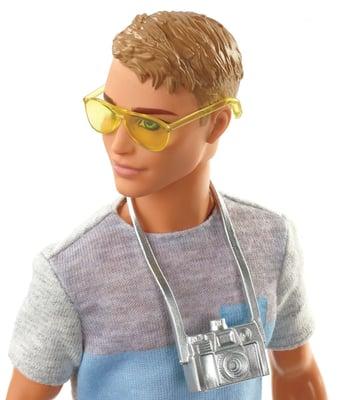 Barbie FWV15 Travel Ken