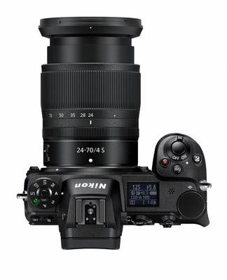 Nikon Z 7 Kit 24-70mm f/4 S Kit apparecchio fotografico mirrorless