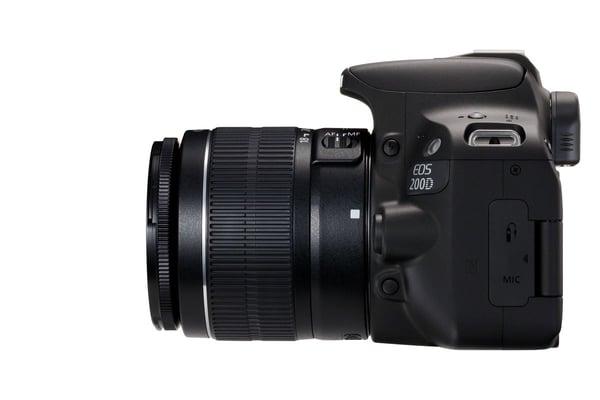 Canon EOS 200D + EF-S 18-55mm DC III Spiegelreflexkamera Kit