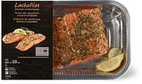Filetto di salmone con limone e coriandolo in vaschetta per la cottura in forno