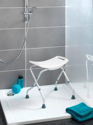Scabello pieghevole per docci