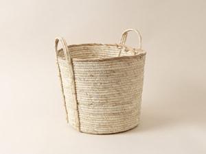 Korb aus Maisblättern
