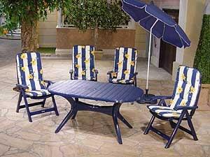 4 chaises pliantes, table Lyon 150x90 cm