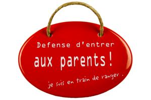 Insegna in email Défense d'entrer aux parents!