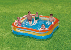Family Pool quadratisch