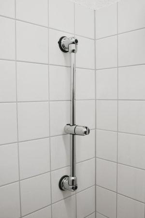 Glissière douche avec ventouse