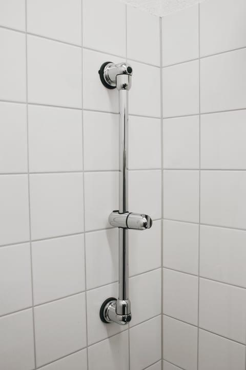 Glissière douche avec ventouse diaqua 675610600000 Photo no. 1
