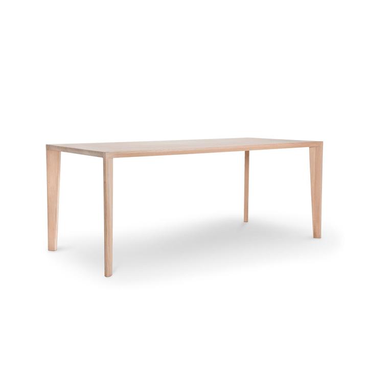 HANNY II Tavolo in legno massiccio 366025382101 Dimensioni L: 180.0 cm x P: 90.0 cm x A: 74.0 cm Colore Quercia N. figura 1