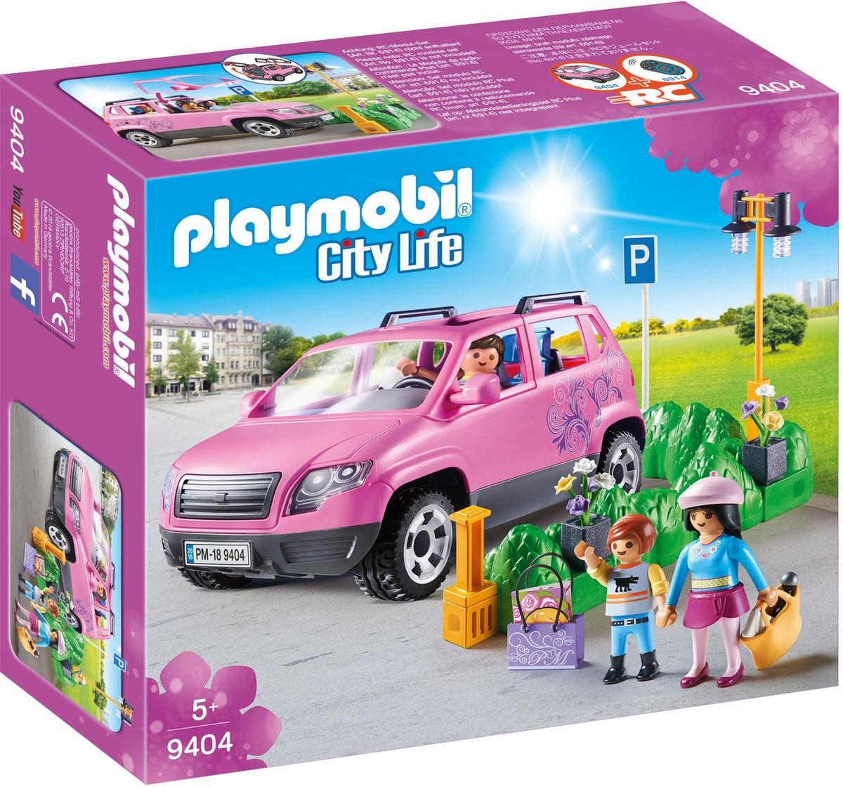 Playmobil Famiglia al parcheggio dell'outlet
