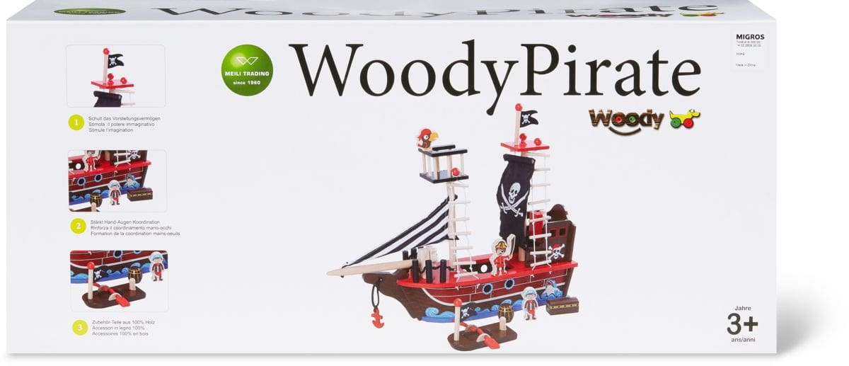 Nave pirata con molti accessori