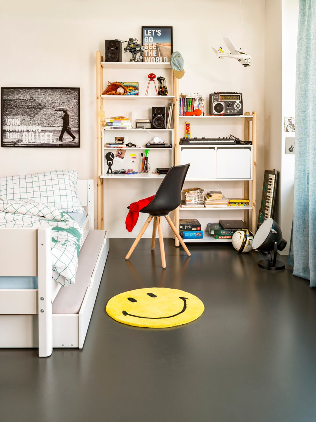 flexa flexa shelfie schreibtisch migros. Black Bedroom Furniture Sets. Home Design Ideas