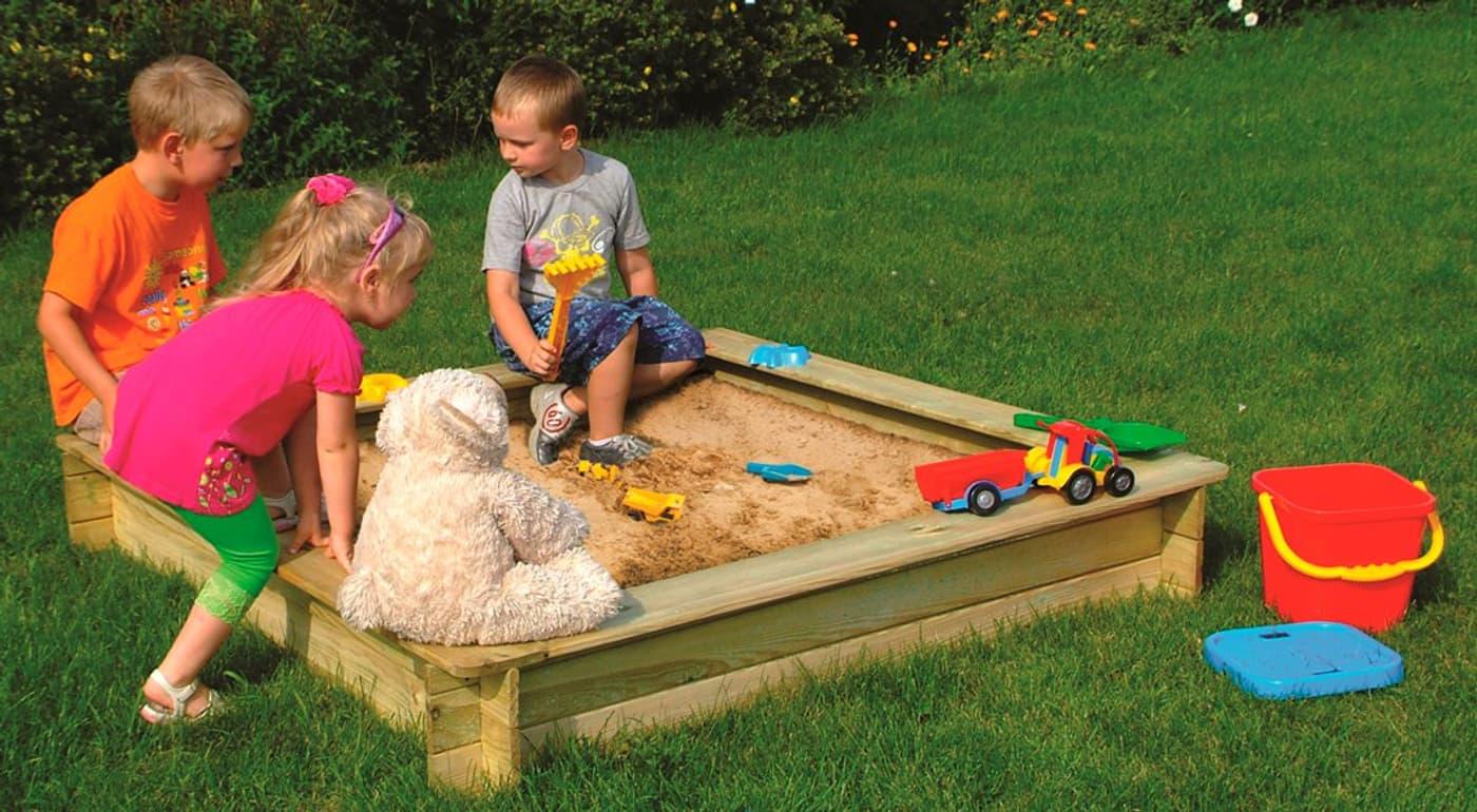 sandkasten mit umlaufender sitzfl che 150 x 150 cm migros. Black Bedroom Furniture Sets. Home Design Ideas