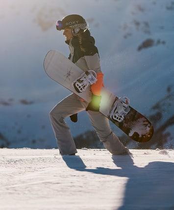 Snowboard e scarponi da snowboard