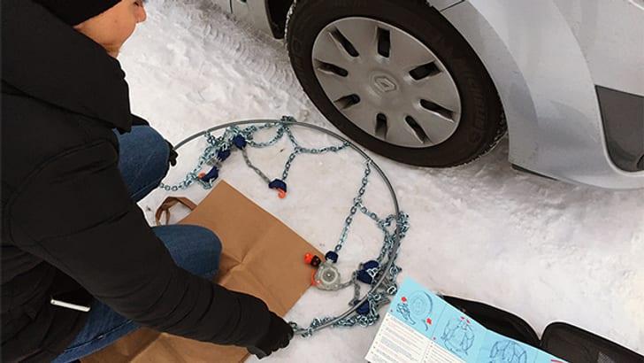 Assembler les chaînes à neige